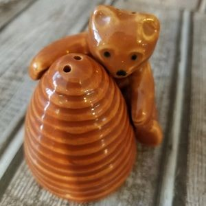 Vintage beehive and bear salt pepper shakers